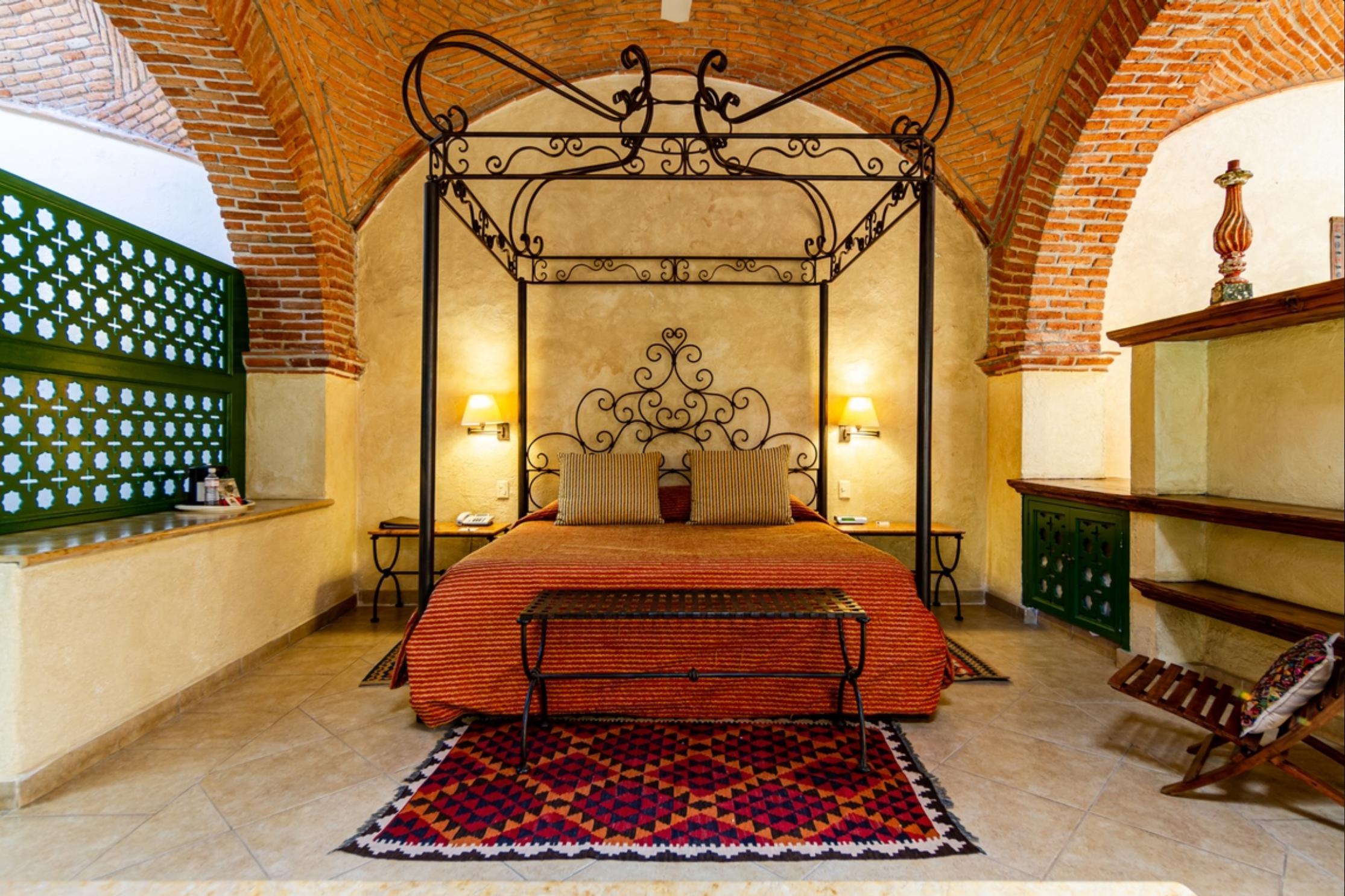 HOTEL & SPA HACIENDA <br />DE CORTES