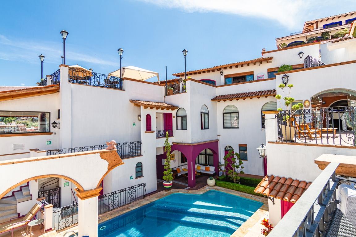 HOTEL BOUTIQUE PUEBLO LINDO