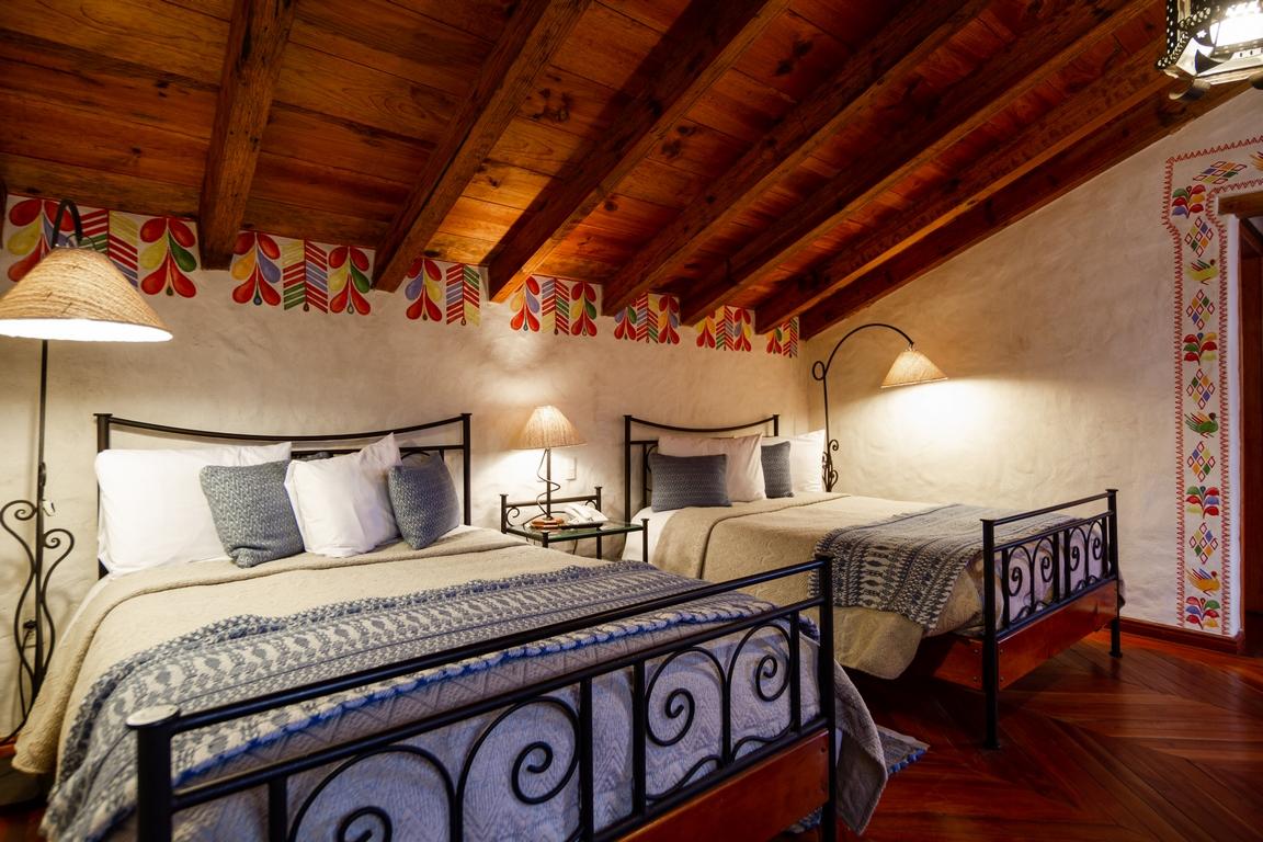 HOTEL VILLAS<br /> CASA MORADA