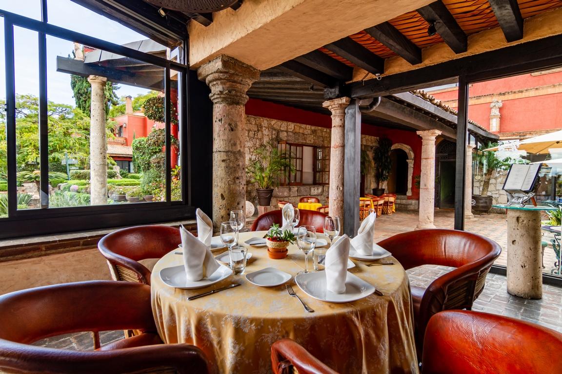 RESTAURANTE HOTEL <br />VILLA MONTAÑA